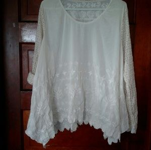 Tops - Ivory Embroidered Shark Bite Blouse